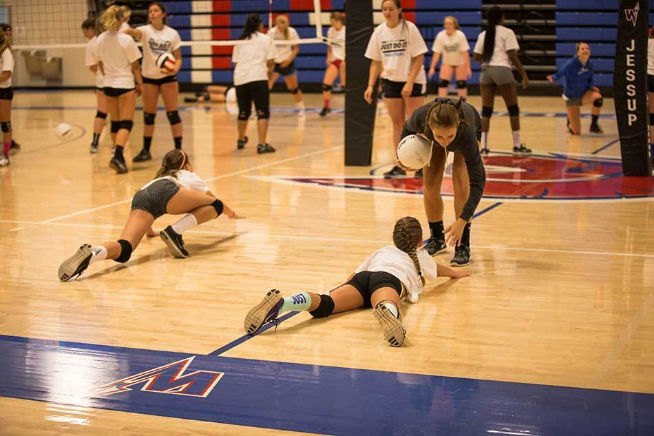 Nike Volleyball Camps San Antonio Group Photo Gallery Diving Drill Serving Dive